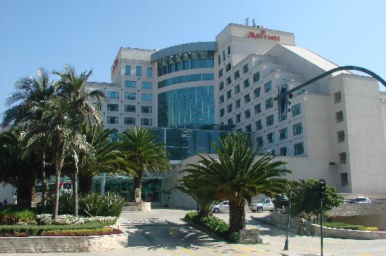 Arriendo lindo departamento diagonal al hotel marriott