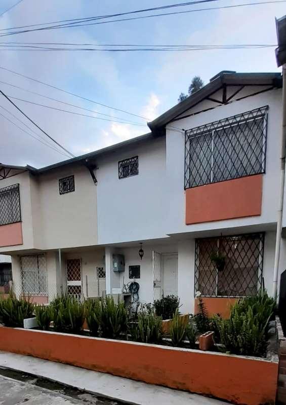 Venta casa guajalo sur de quito 3 habitaciones 2 pisos